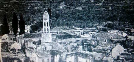 Foça'nın yıkılan kilisesi.